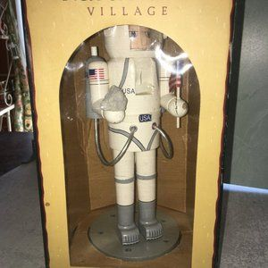 Nutcracker Village Holiday - Rare Vintage 2000 Astronaut Nutcracker village